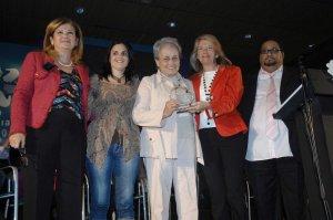 María del Mar Figuererdo recibe el premio al mejor proyecto