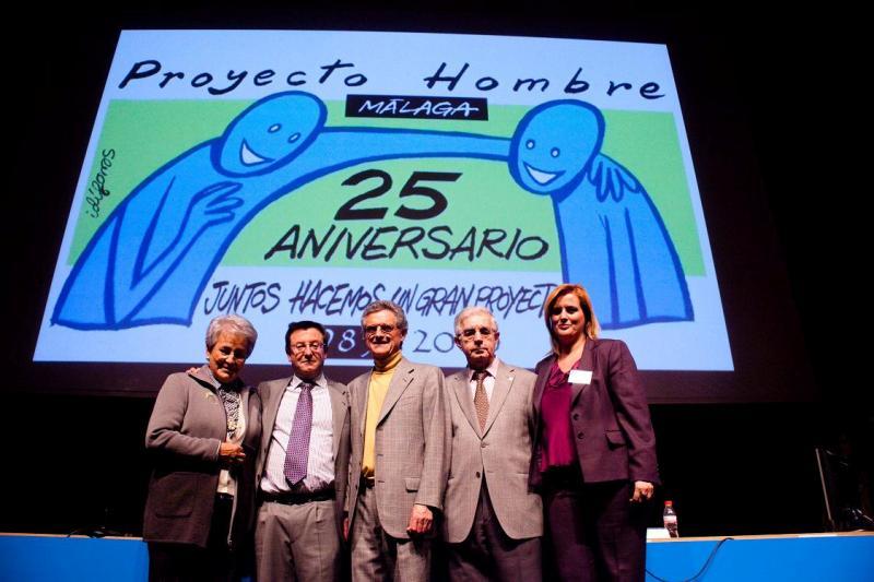 La Pesidente de Horizonte junto al Sr. Rojas Marcos y directivos de PH Málaga
