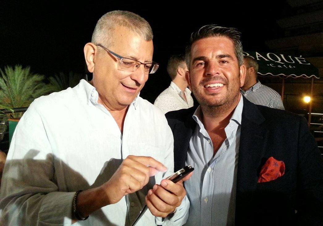 Aitor Villar, presidente de la Fundacón Baqué, le facilita su teléfono a Luis-Domingo para que Pivesport pueda entrar a formar parte de las actividades socio-deportivas apoyadas por la Fundación.